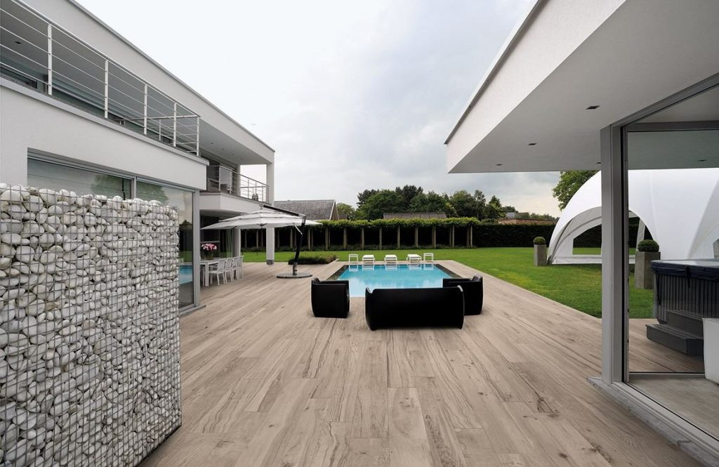 Wood look porcelain outdoor tile