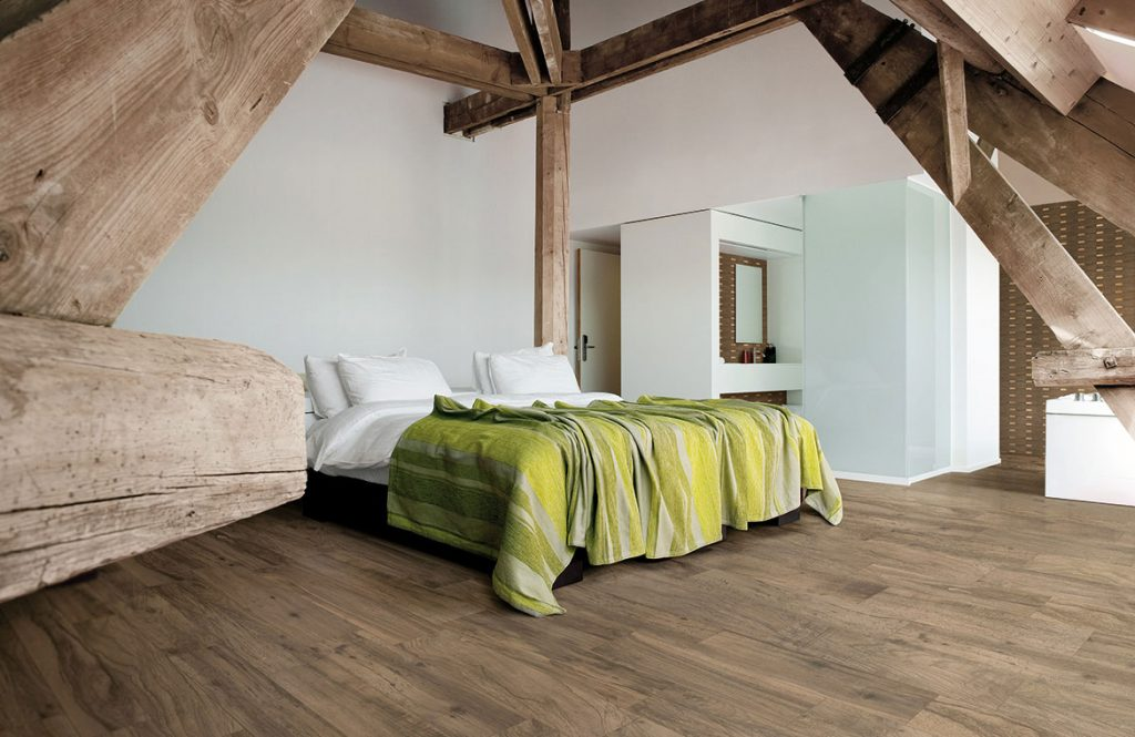 Wood plank porcelain floor tile