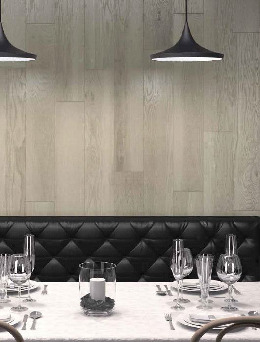 Wood look porcelain wall tile