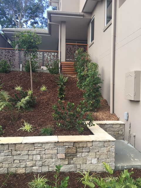 Amazon Splitstone Retaining Wall