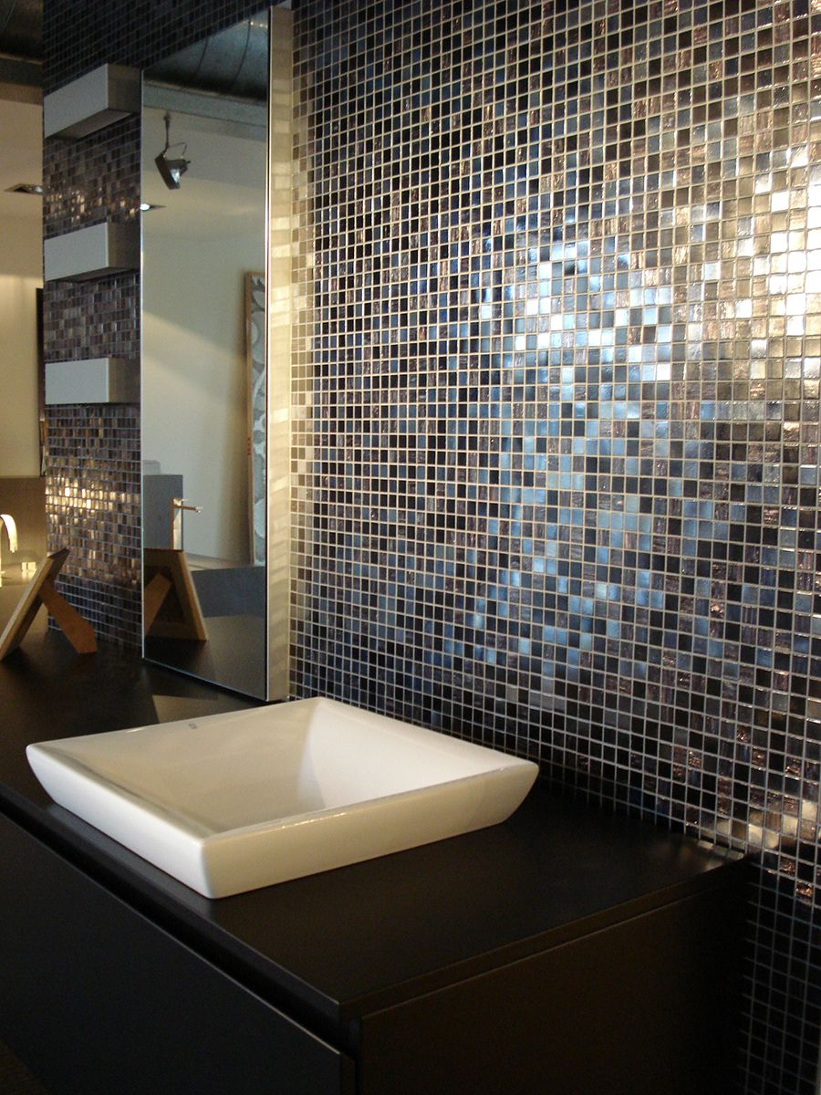 Bisazza Iside feature wall