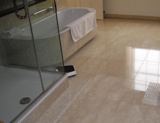 Crema Marfil Bathroom