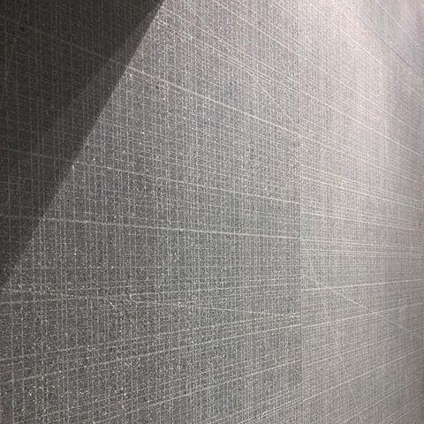 Grainstone - Dark - Cage Closeup