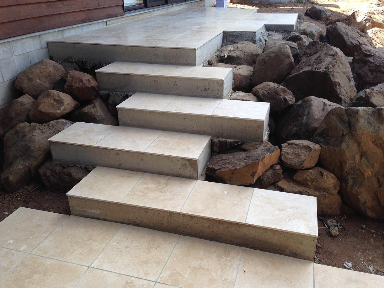 Light Travertine Irregular Steps