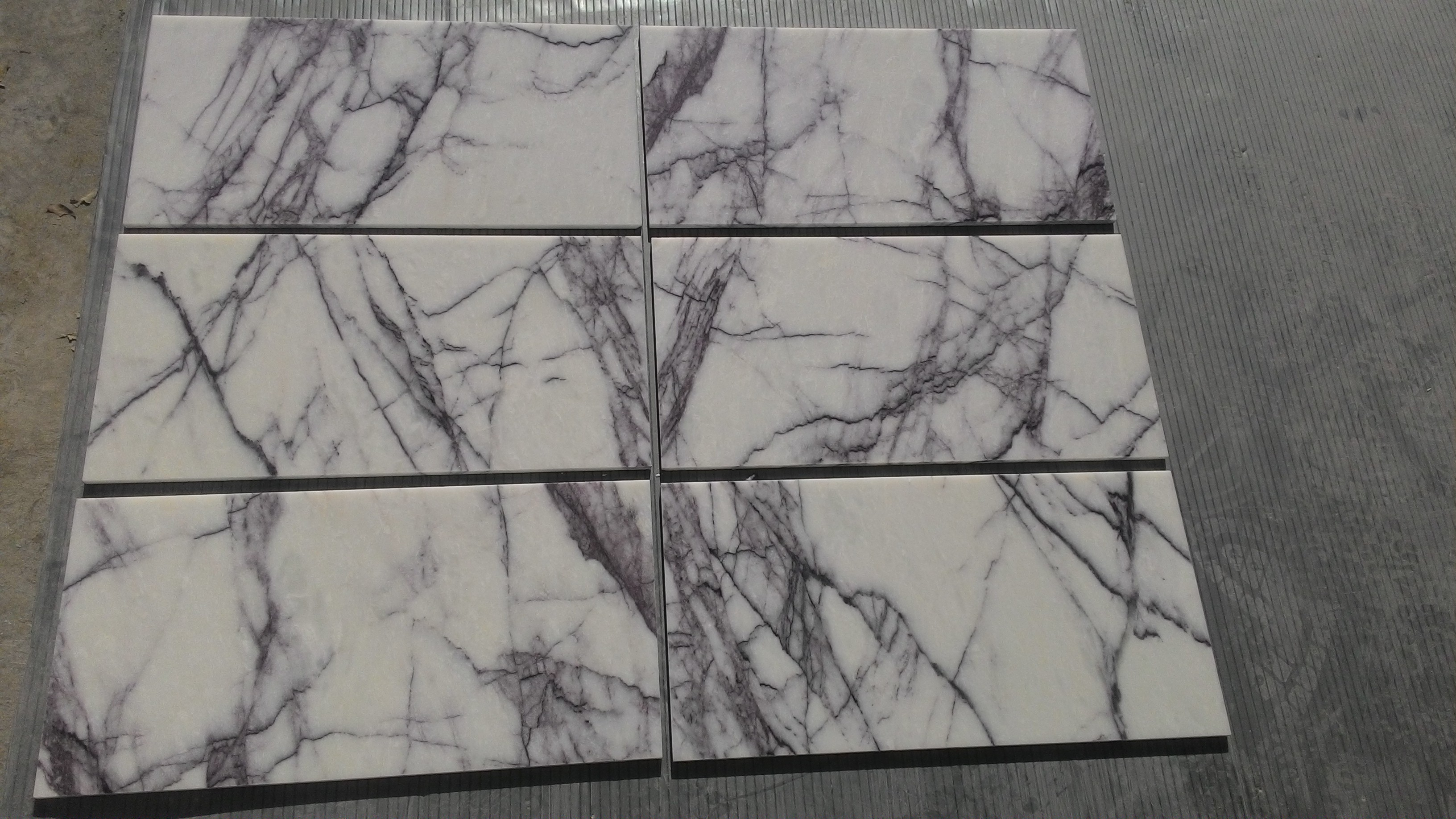 Selecting New York Marble variation